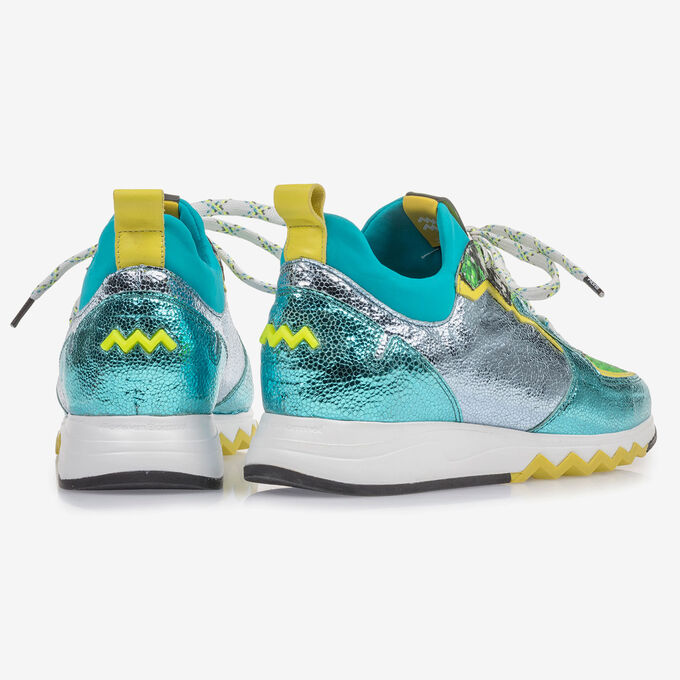Sneaker with light blue metallic print