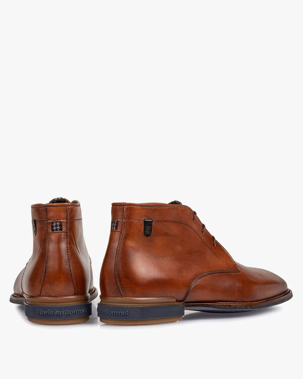 Boot calf leather cognac