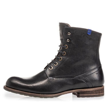 Lambskin lined leather boot