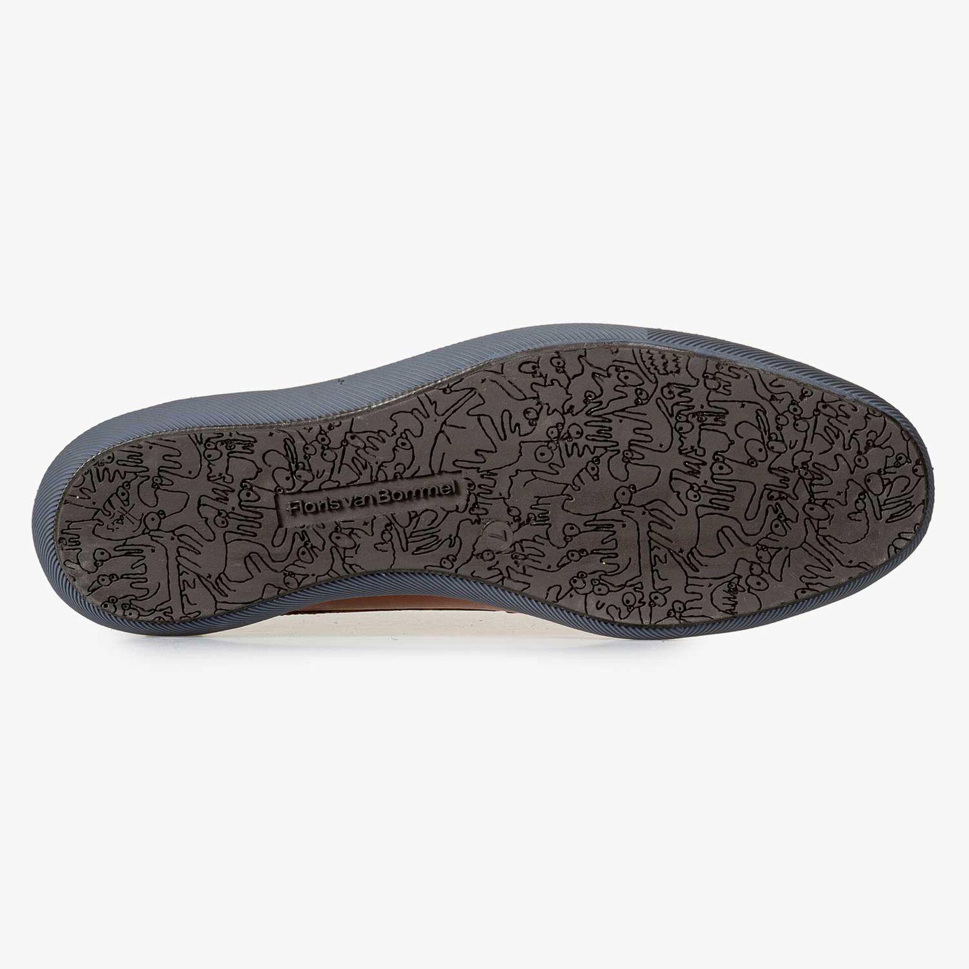 Dark cognac-coloured calf's leather boot