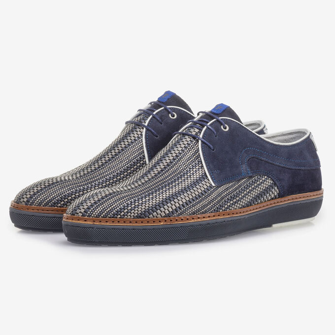 Dark blue lace shoe with grey print