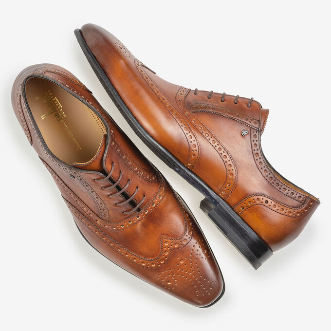 Dark cognac-coloured calf leather brogue