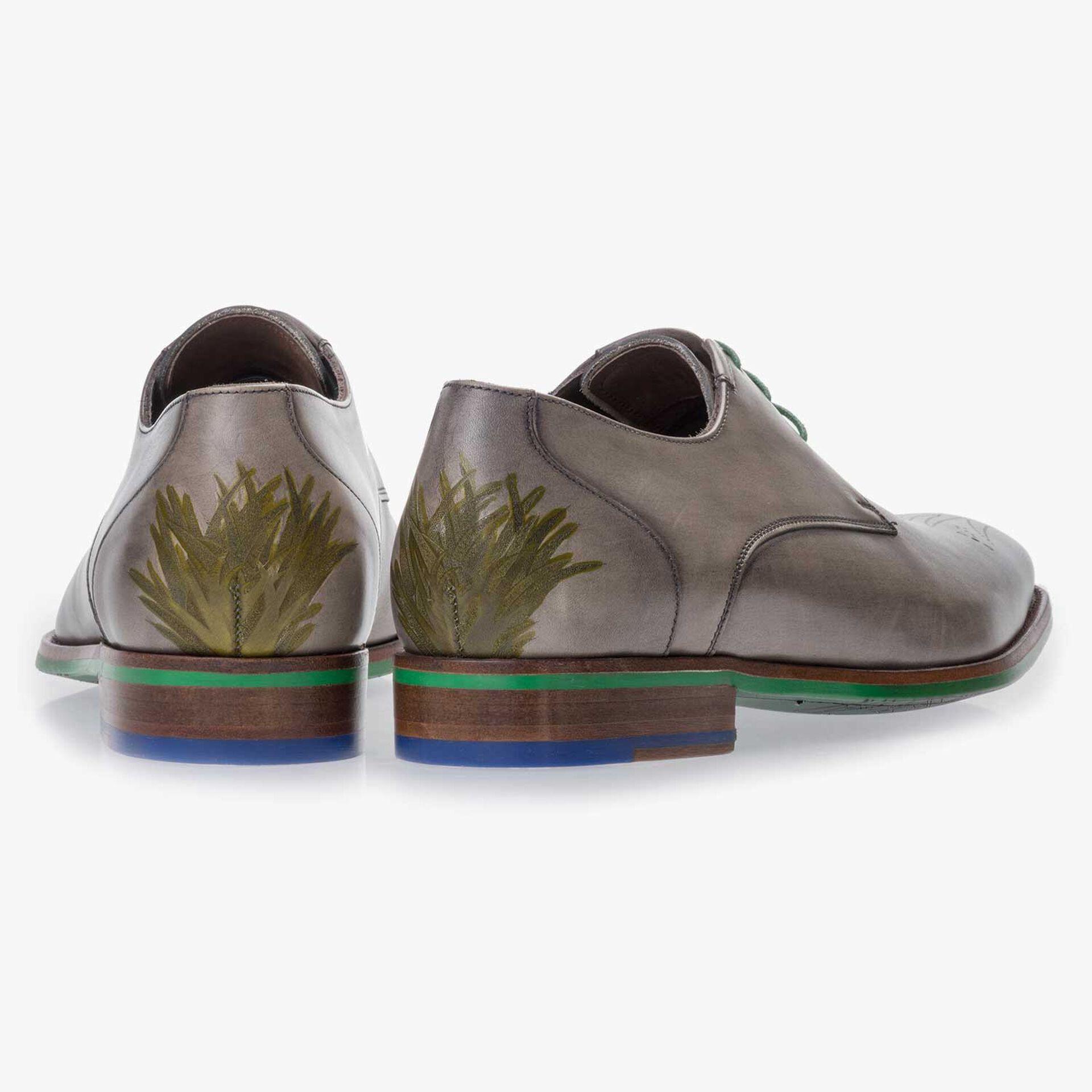 Taupe-coloured leather lace shoe