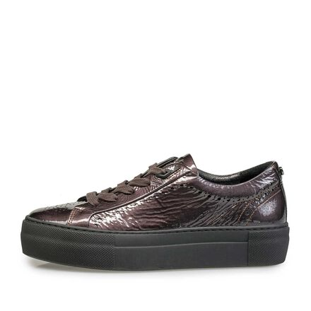 Patent leather sneaker with wrinkle effect