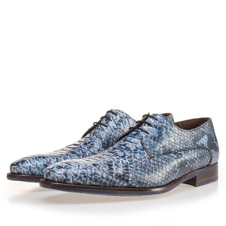 Leather lace shoe with snake print