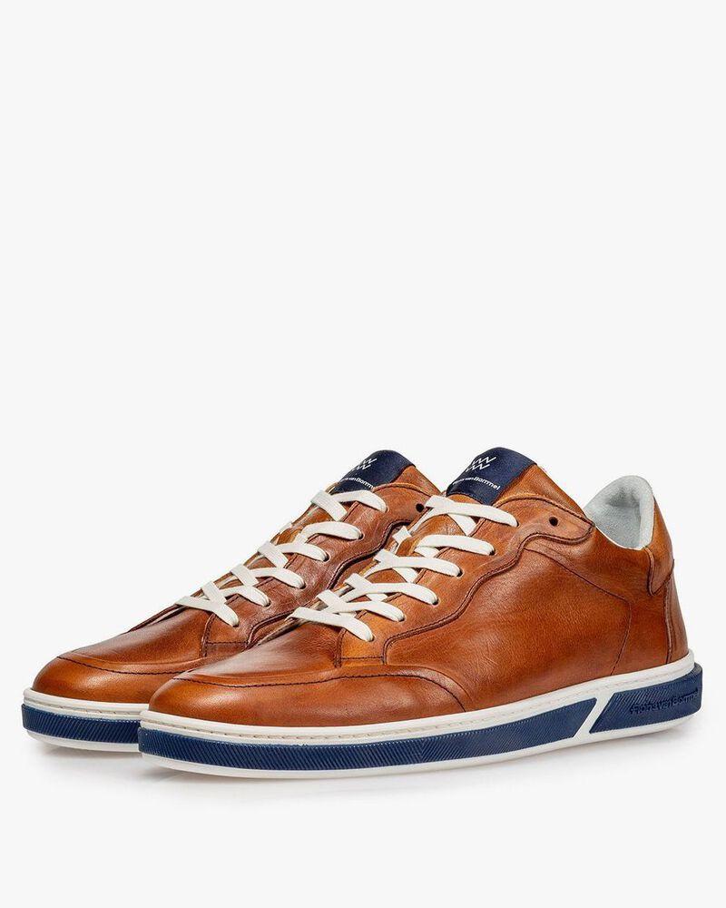 Calf leather lace shoe cognac