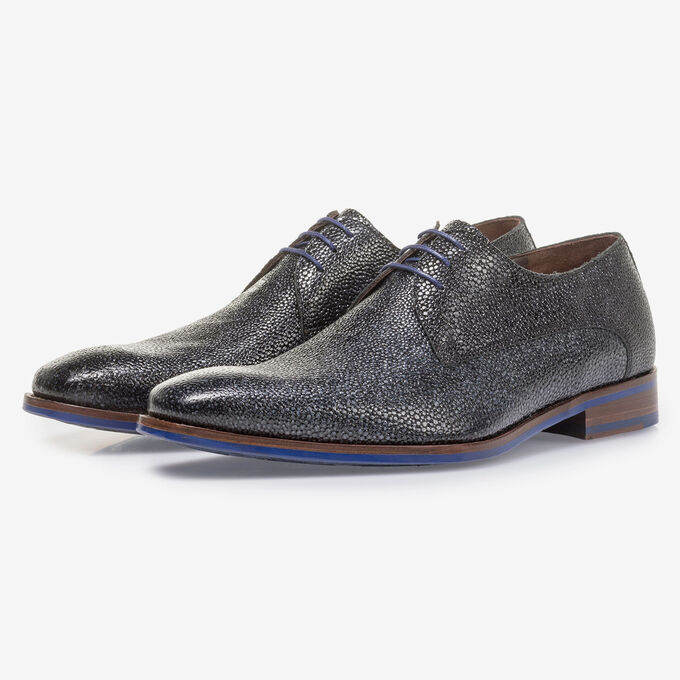 Blue leather lace shoe with metallic print