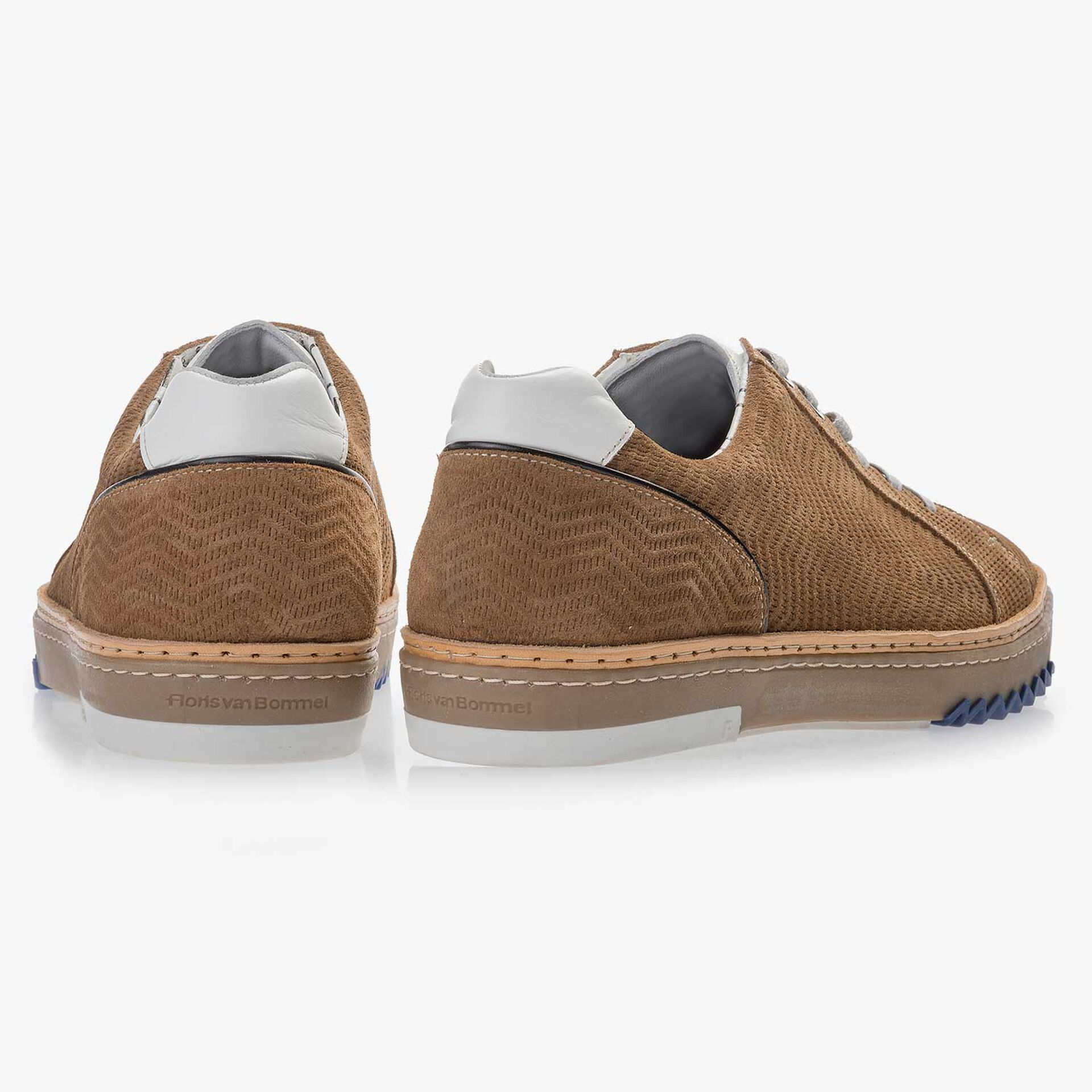 Cognac-coloured, patterned leather sneaker