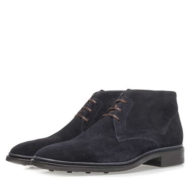 Lace boot with rubber sole
