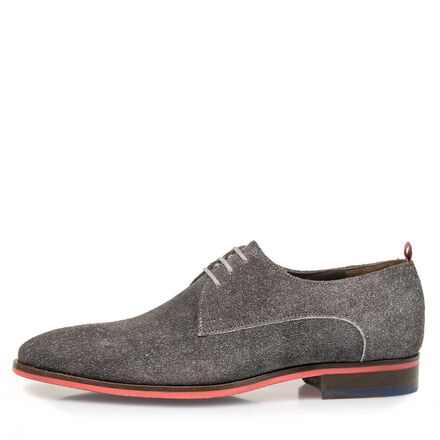 Buffed suede leather lace shoe