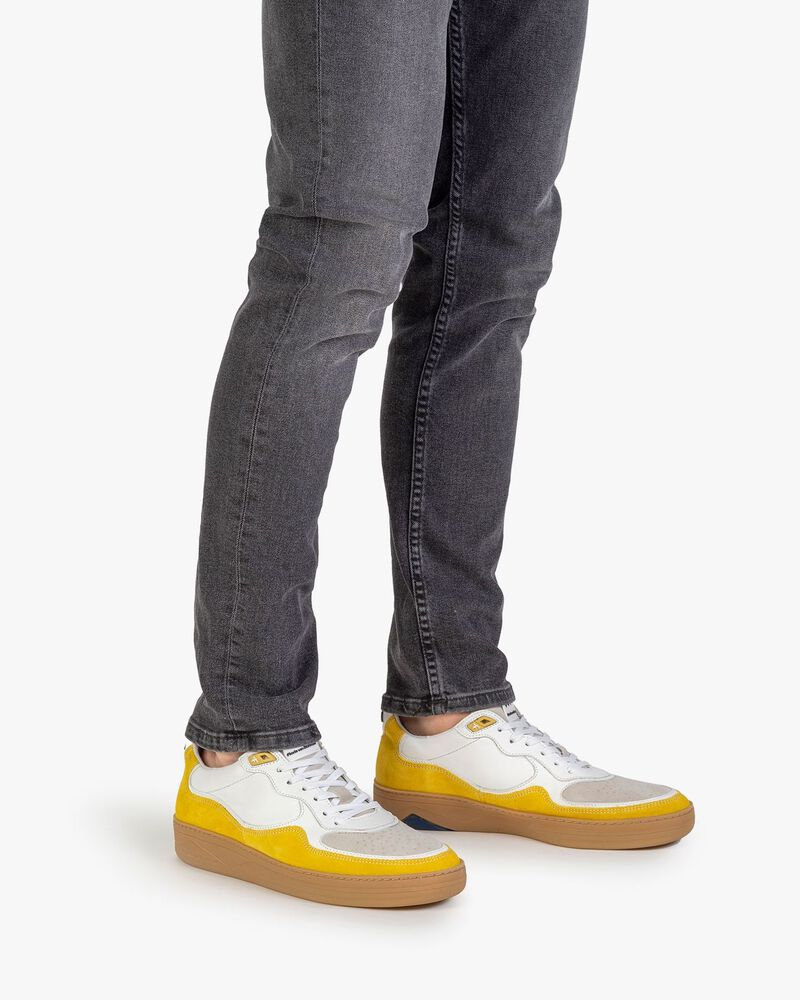 Sneaker suede leather yellow