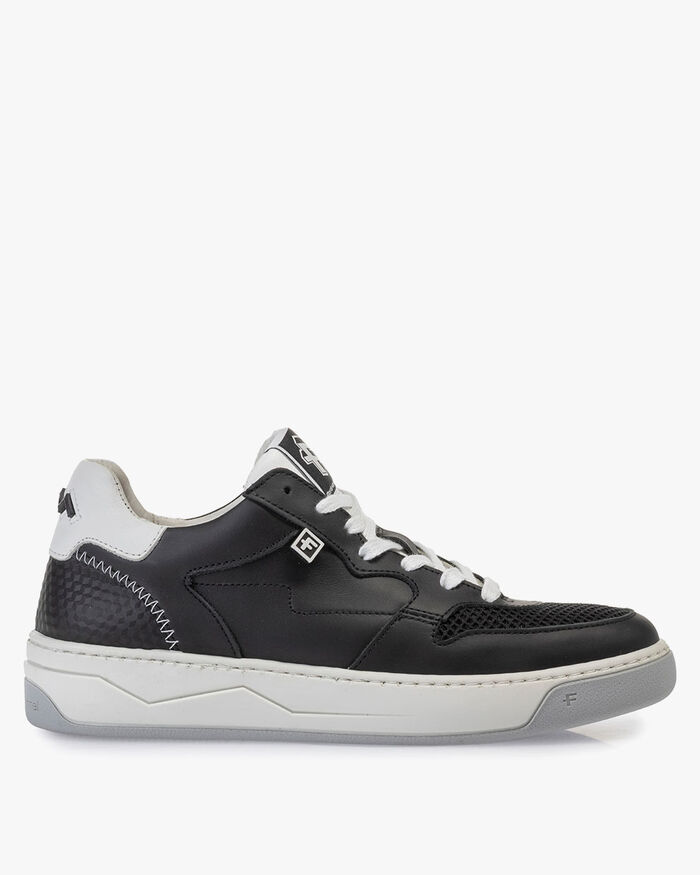 Sneaker calf leather black