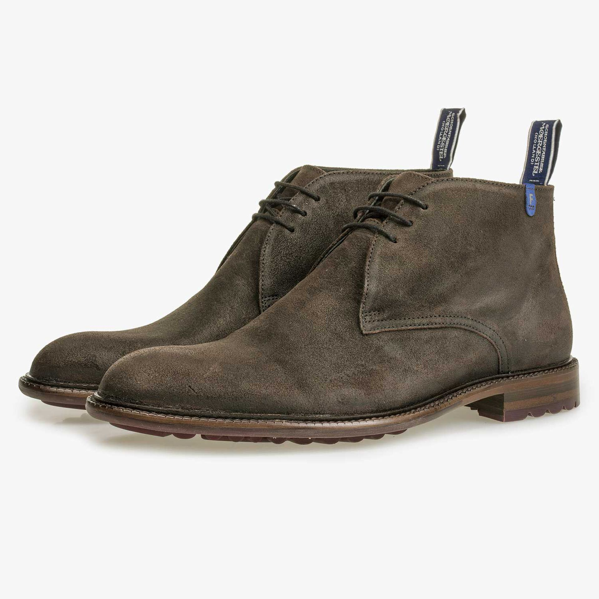 Mid-high brown suede leather lace boot