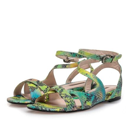 Leather sandal with strap