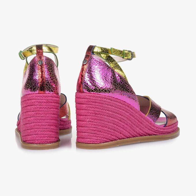 Pink metallic leather sandal with craquelé effect