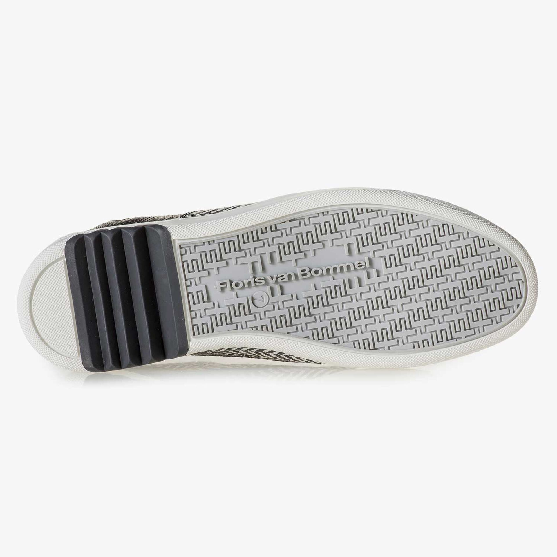 Black & white leather sneaker with a herringbone pattern