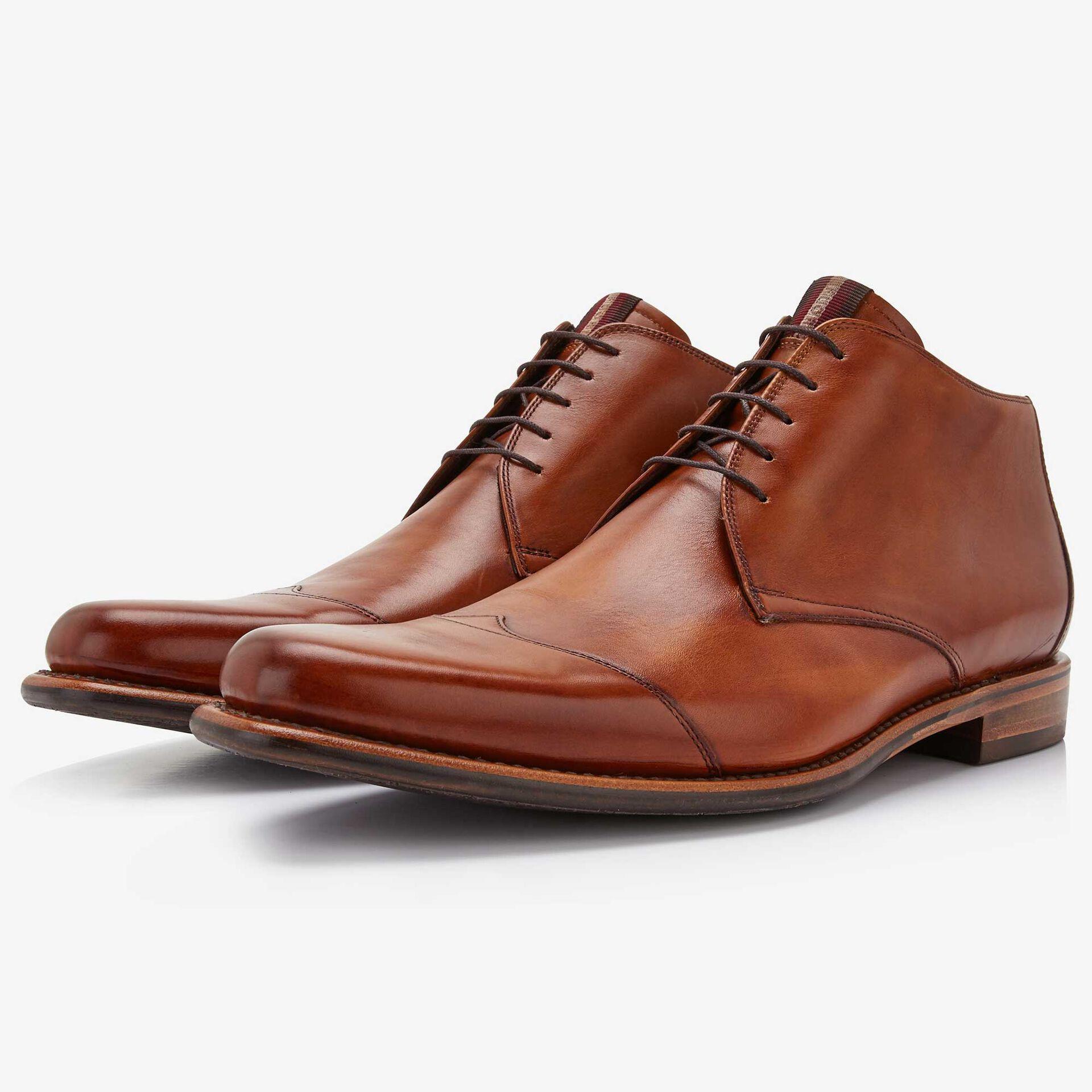 Floris van Bommel cognac coloured leather half-high men's lace-up boot