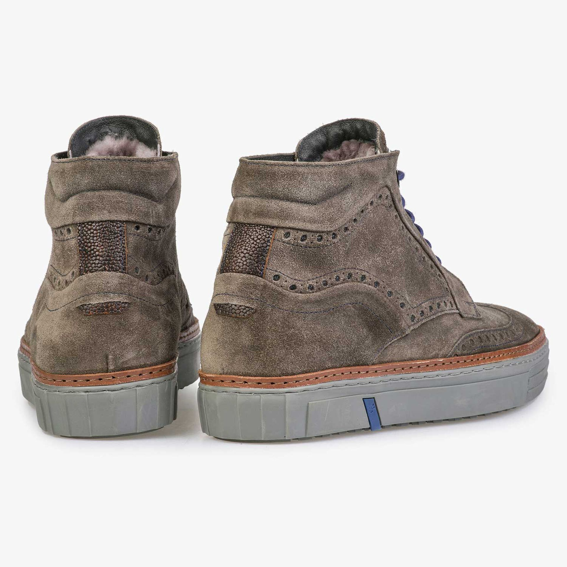 Mid-high, wool lined sneaker