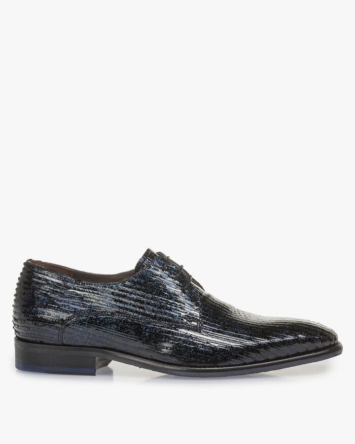 Blue patent leather lace shoe with print