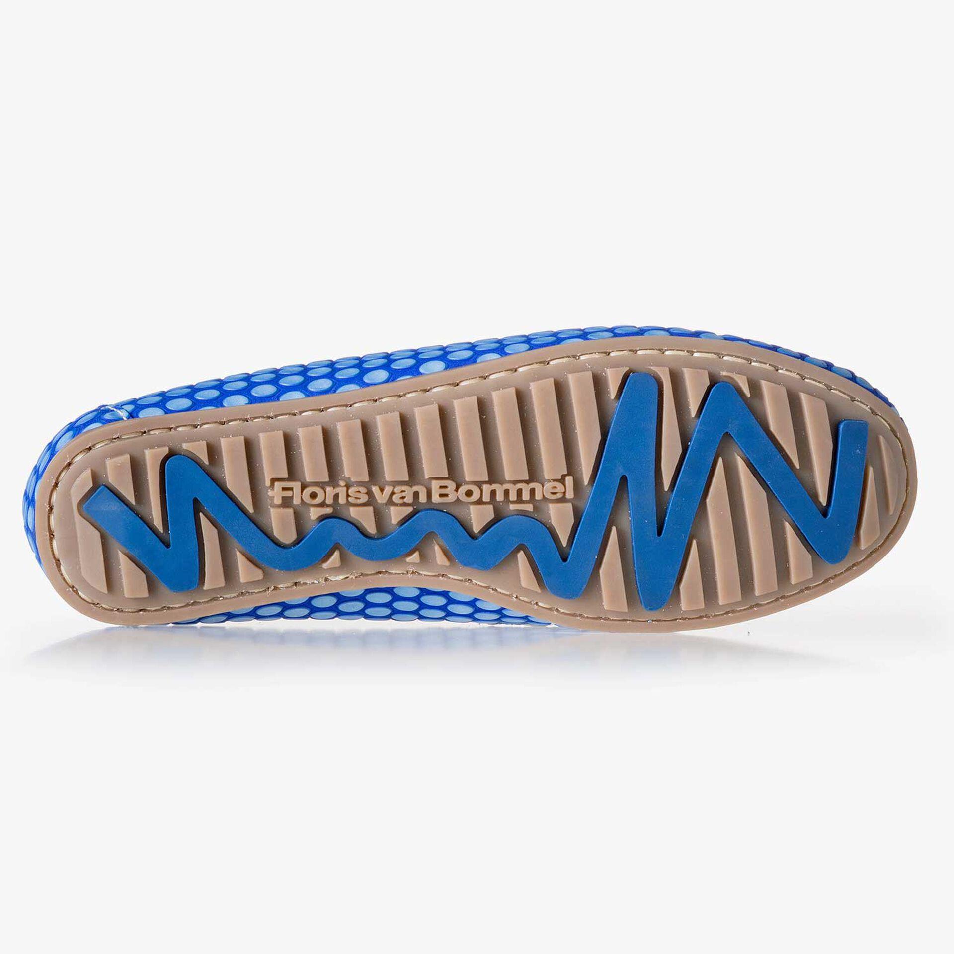 Cobalt blue, printed leather boat shoe
