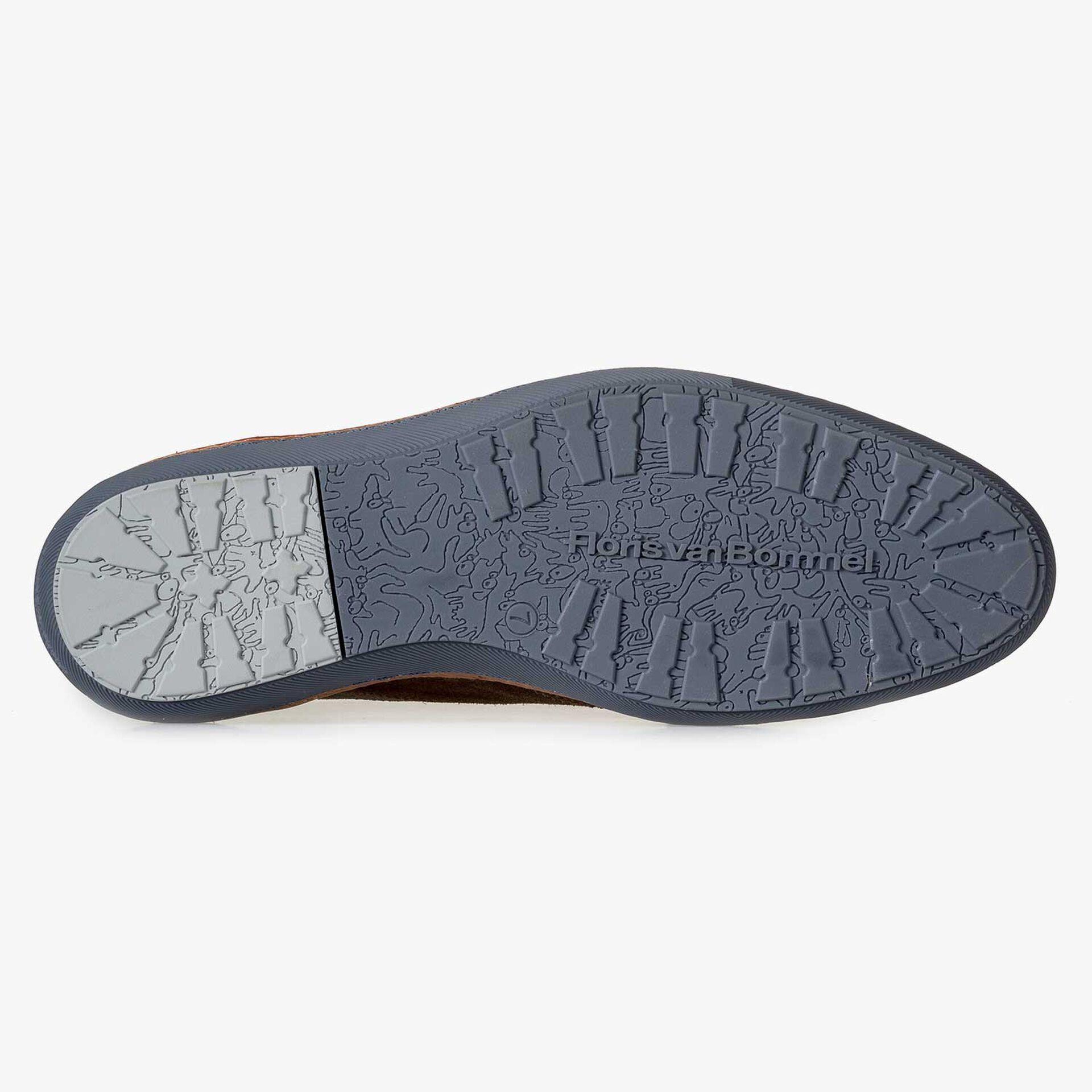 Brown calf's suede leather brogue sneaker