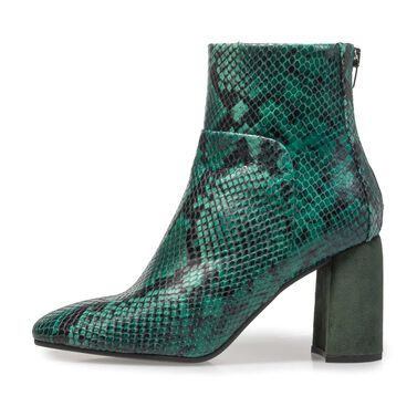 Ankle boot with contrasting colour