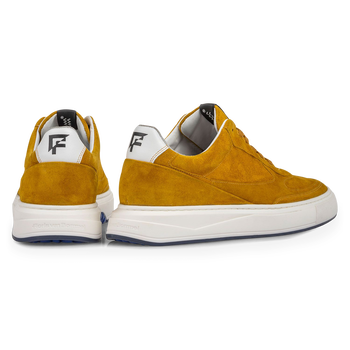 Sneaker yellow suede leather