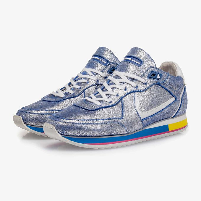 Silver metallic leather sneaker with blue changing effect