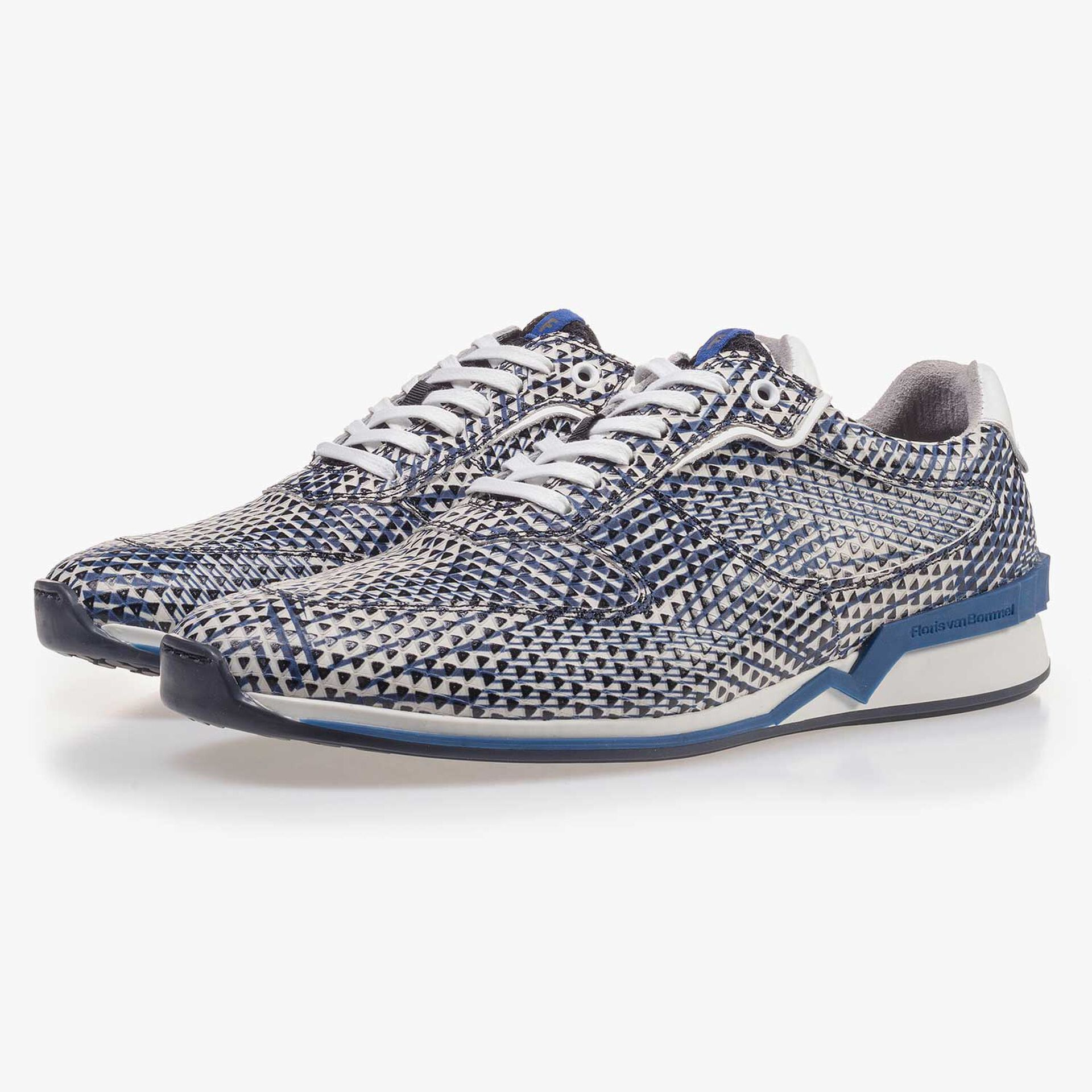 Blue/white patterned leather sneaker