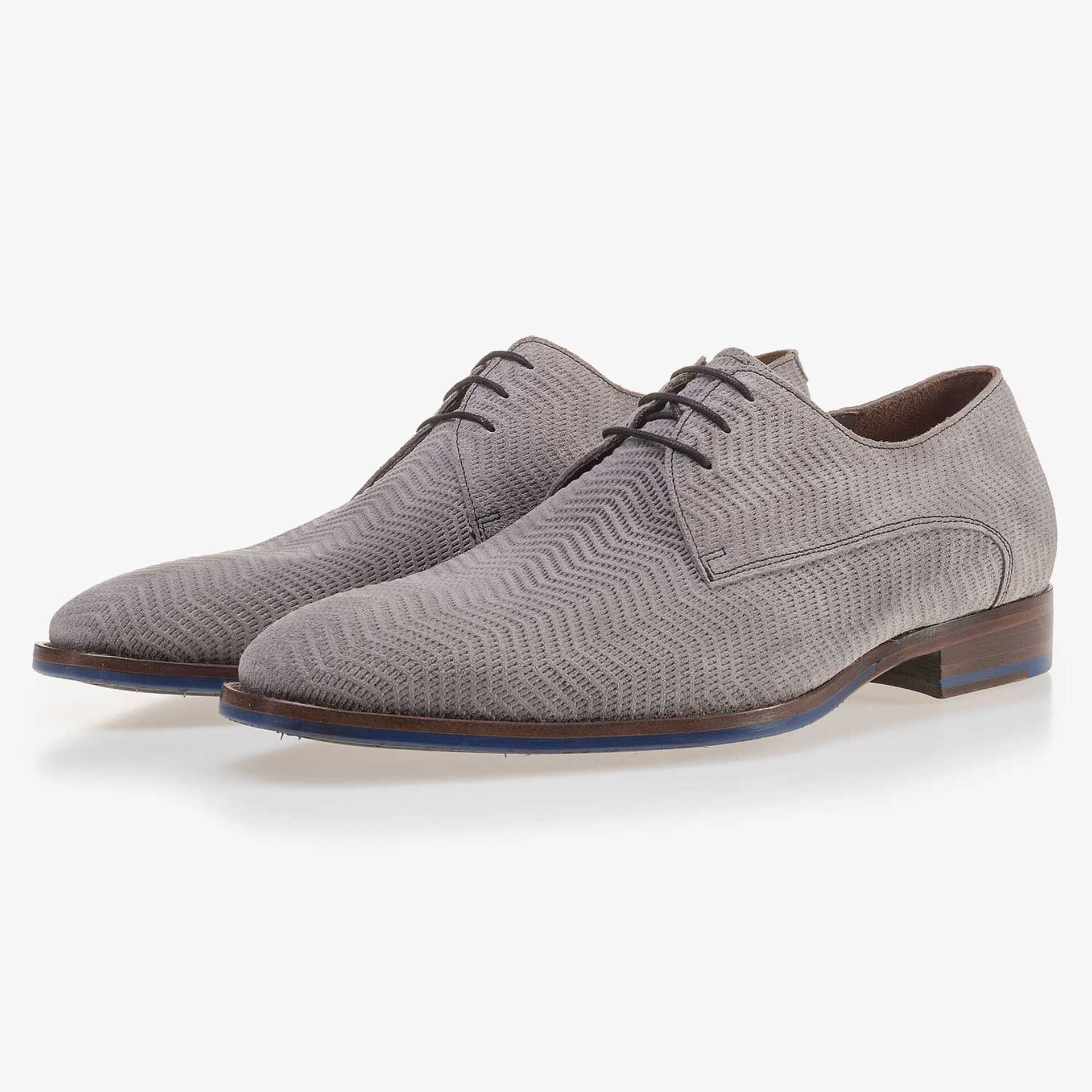 Grey suede lace shoe with pattern