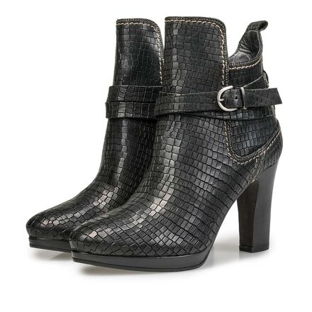 Ankle boots with croco print