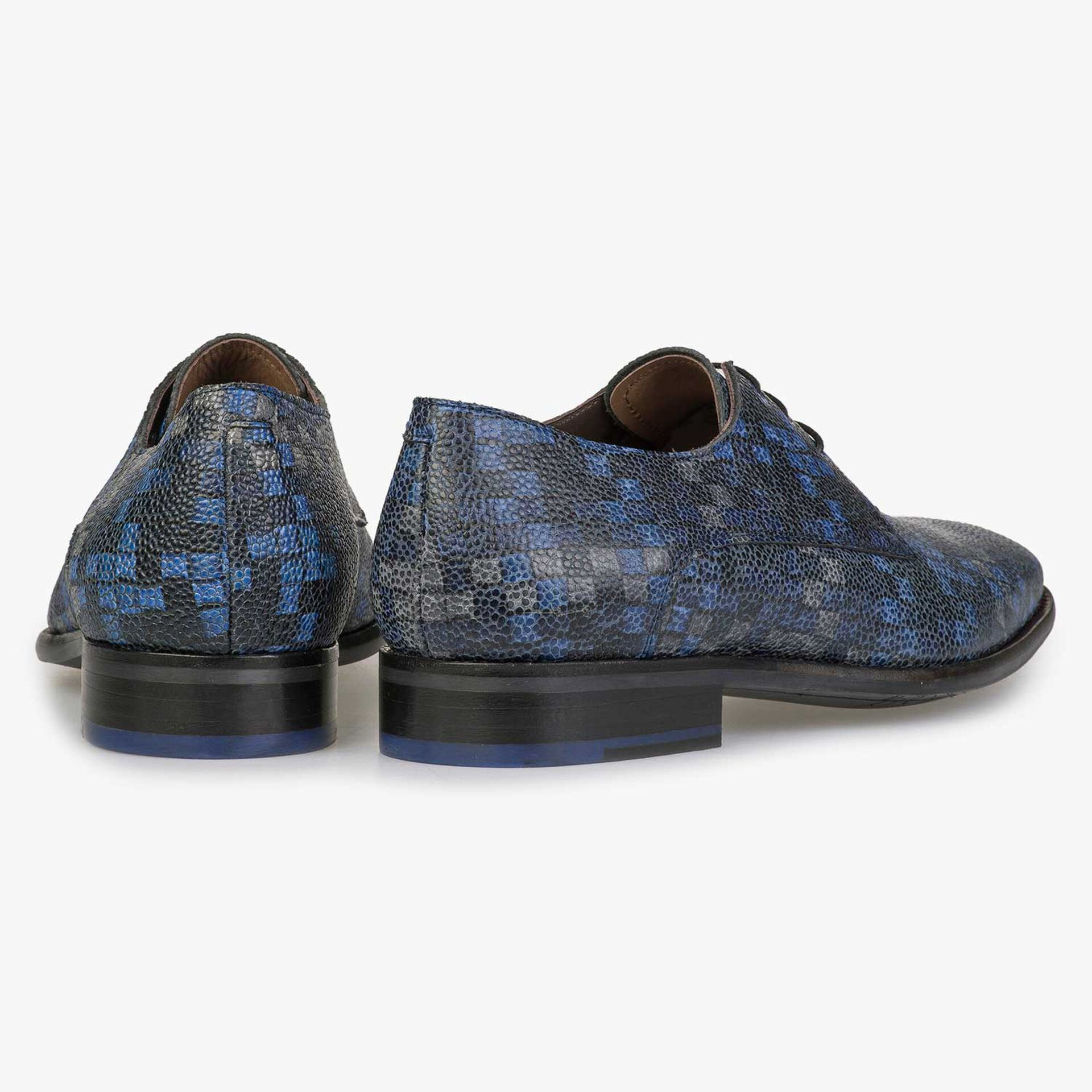 Blue lace shoe with graphic print