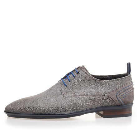 Leather lace shoe with blue sole