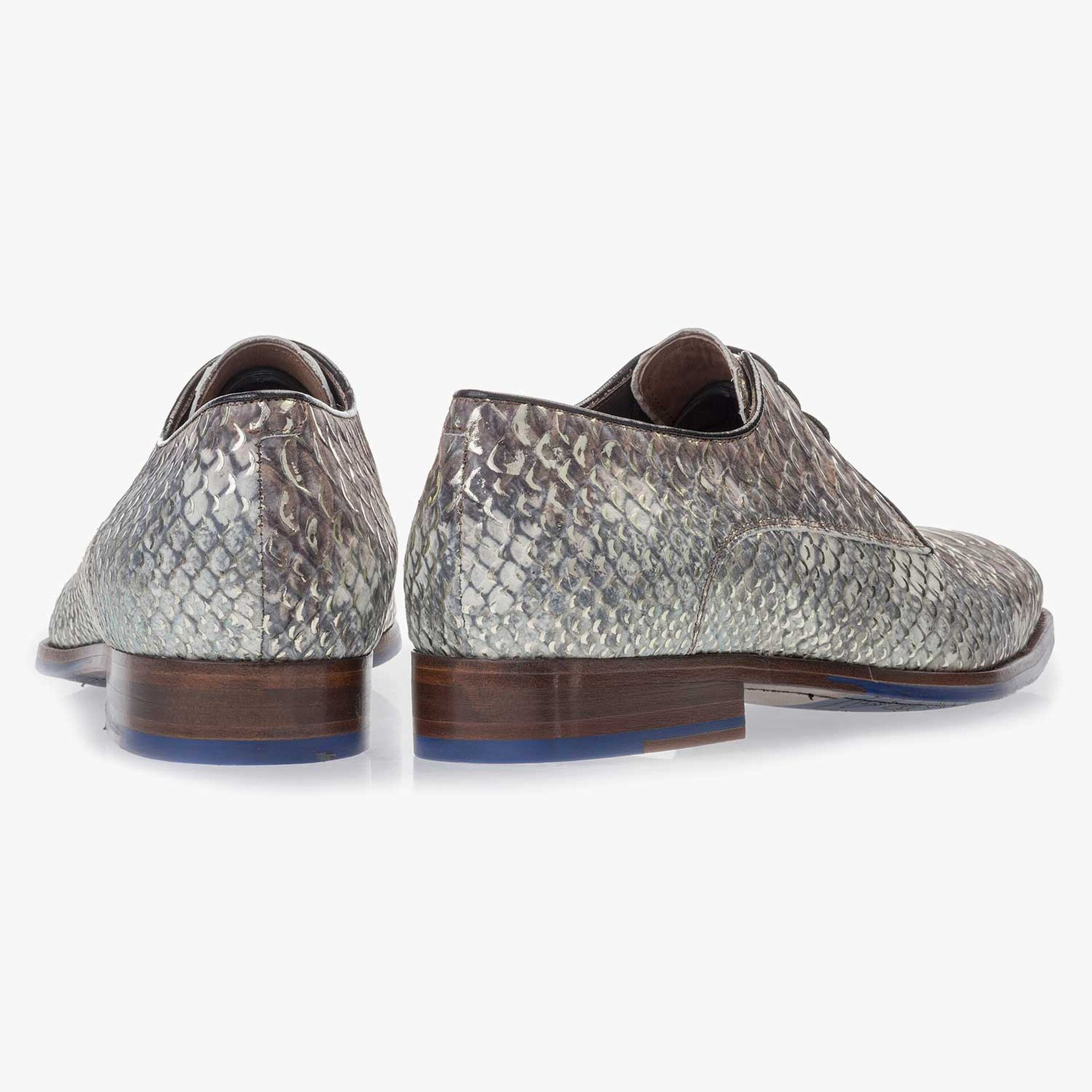 Premium taupe-coloured leather lace shoe with a snake print