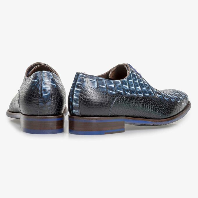Blue leather lace shoe with croco print