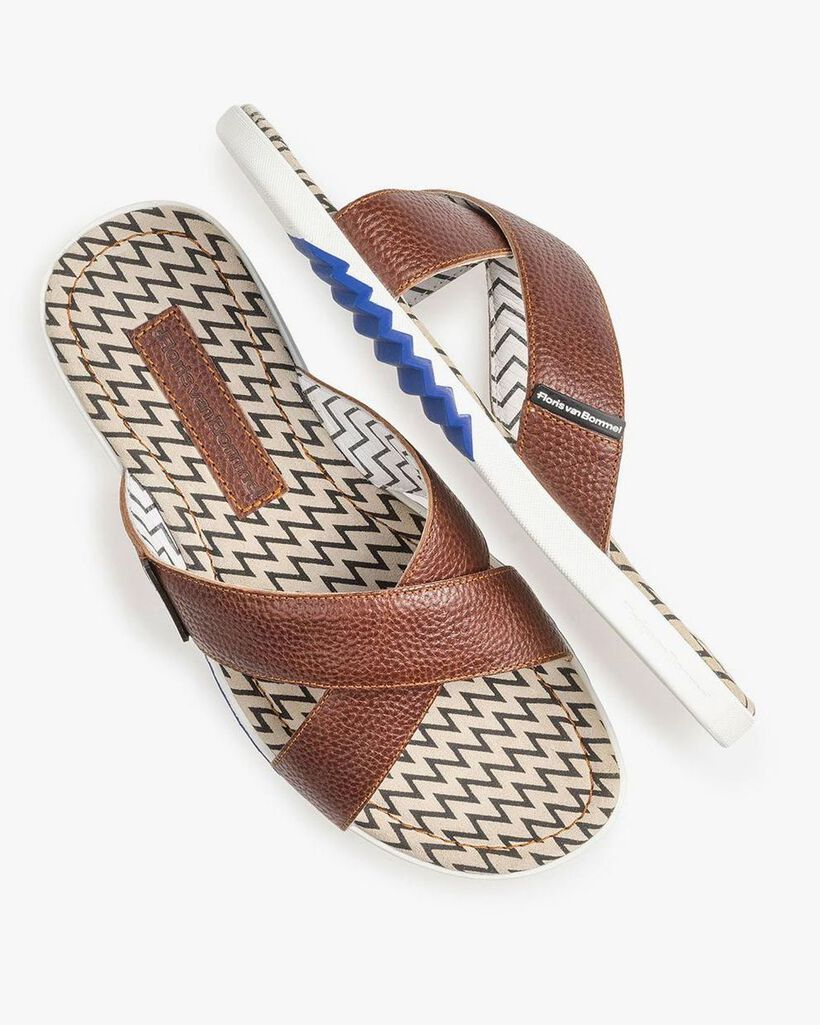 Cognac-coloured calf leather cross strap slipper with print