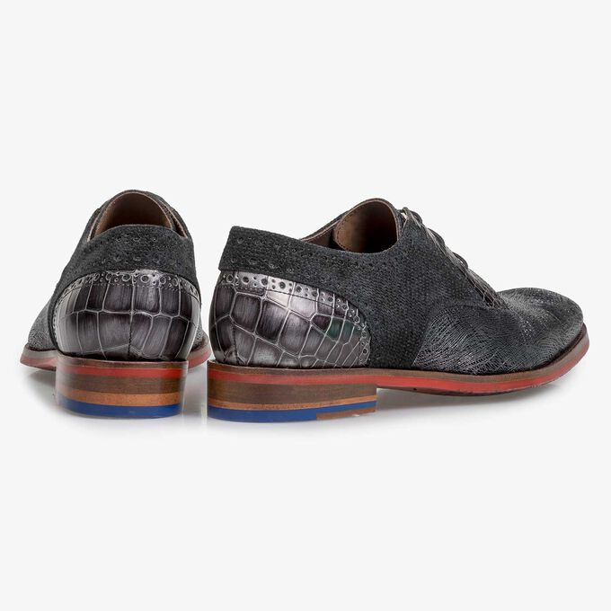 Black leather lace shoe with metallic print
