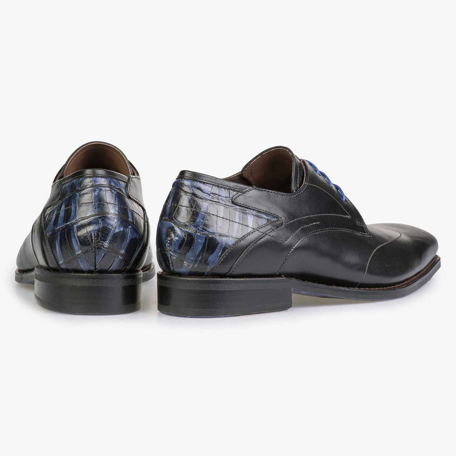Black calf's leather lace shoe with croco print