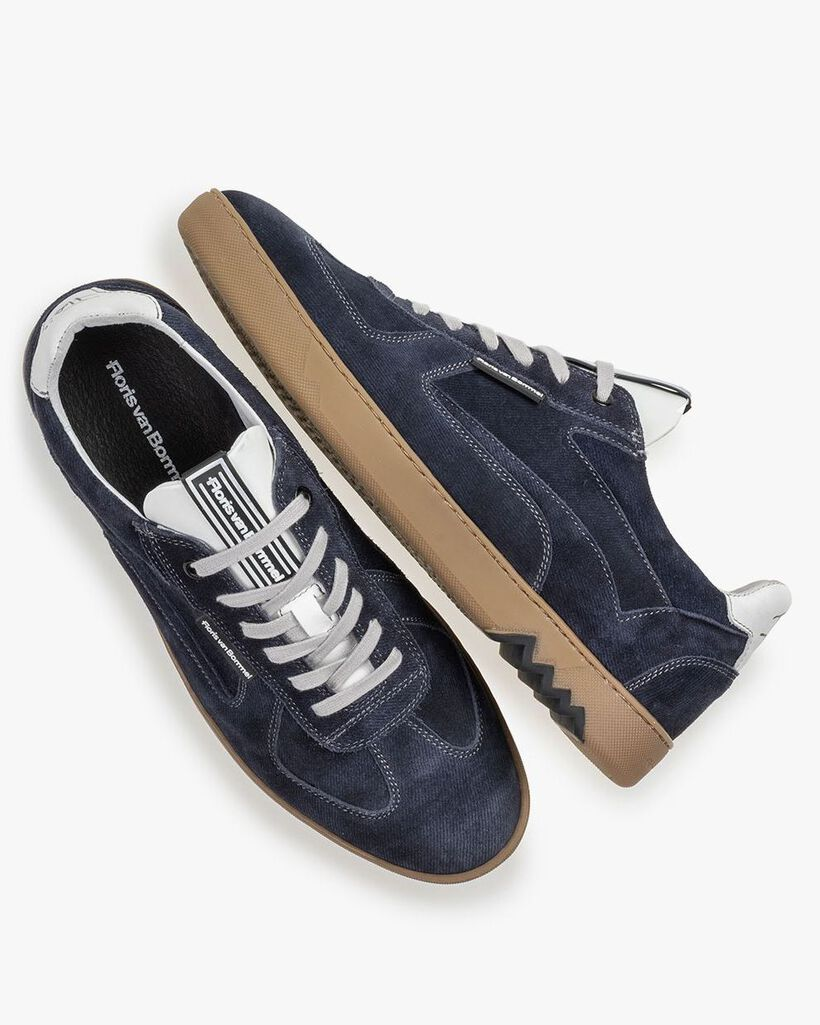 Sneaker blue suede leather