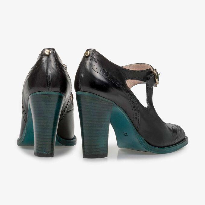 Black calf leather pumps