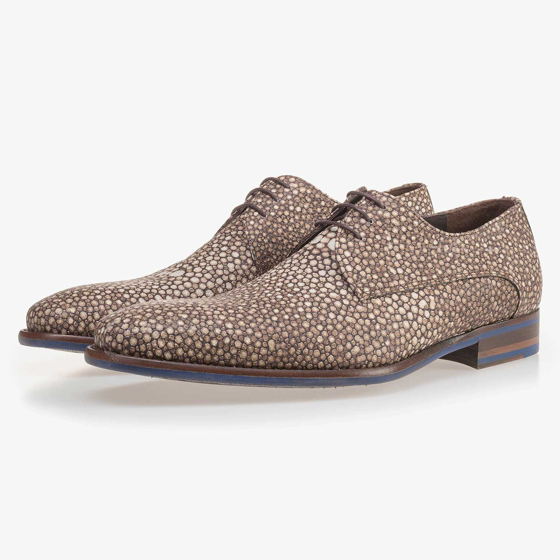 Brown, leather lace shoe with pattern