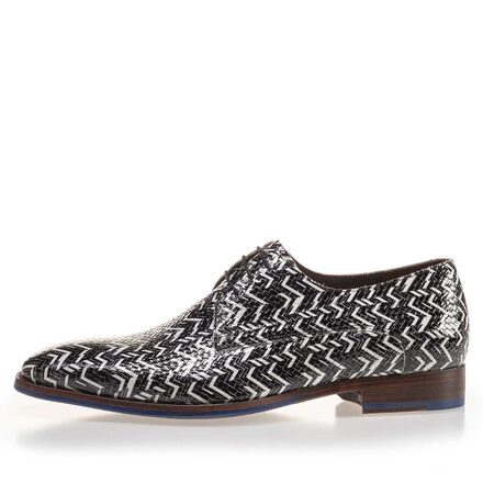Patterned patent leather lace shoe
