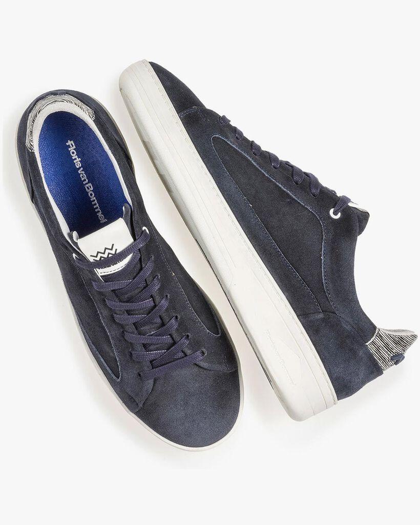 Dark blue suede leather sneaker