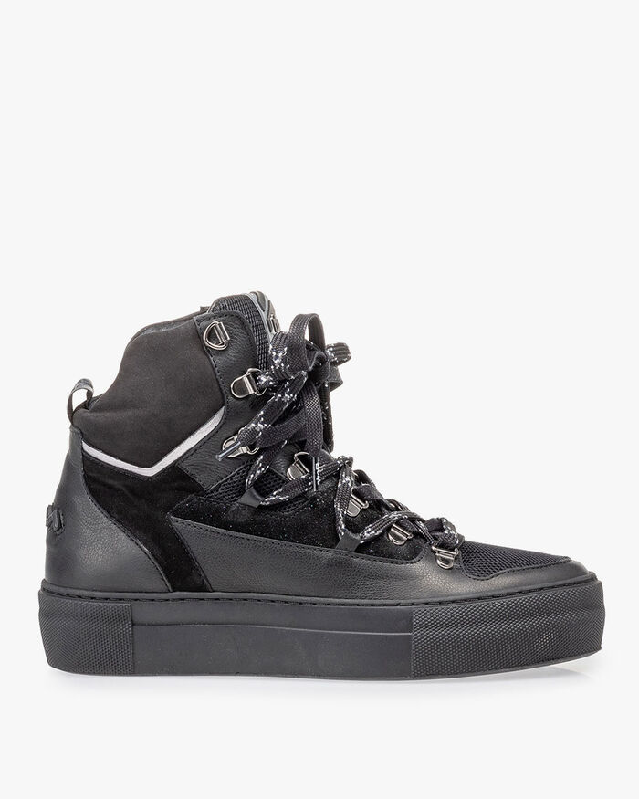 Mid-high sneaker black leather
