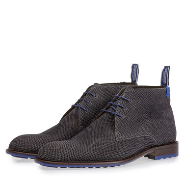Mid-high leather lace boot