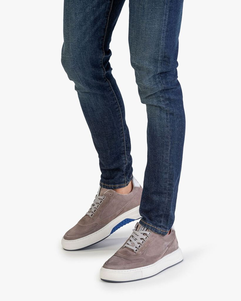 Sneaker suede leather grey
