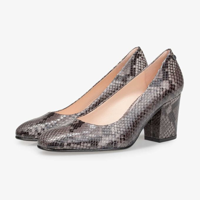 Grey leather pumps with snake print