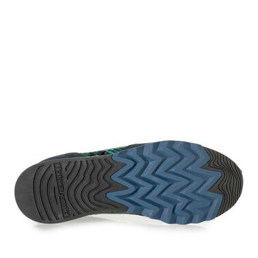 Sneaker with jogging sole