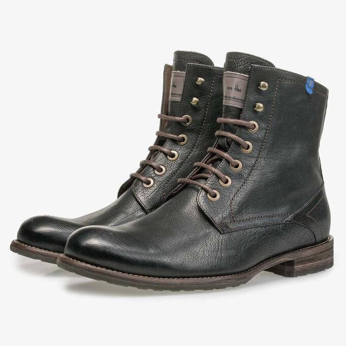 Wool lined black calf's leather lace shoe
