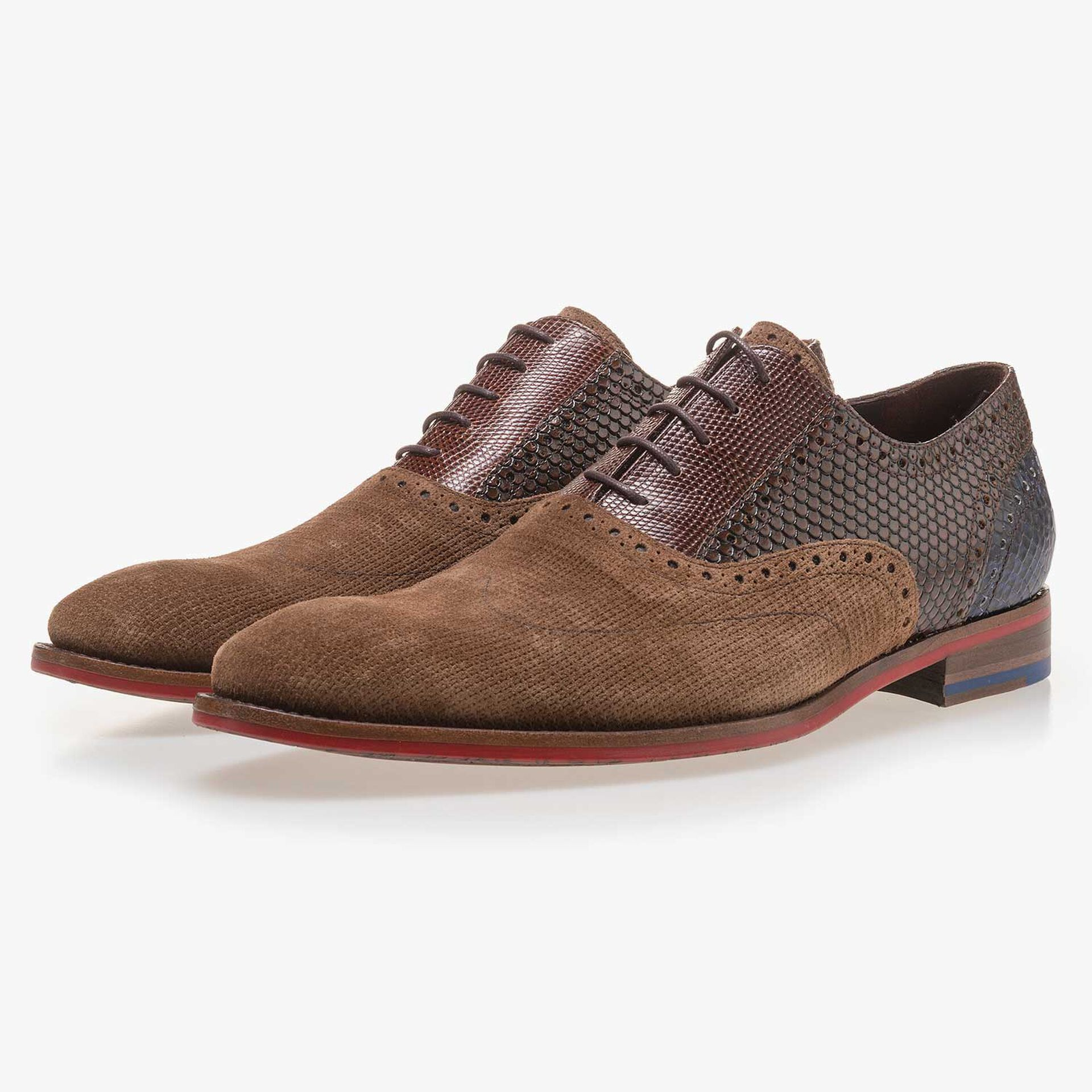 Light brown patterned lace shoe made of suede leather